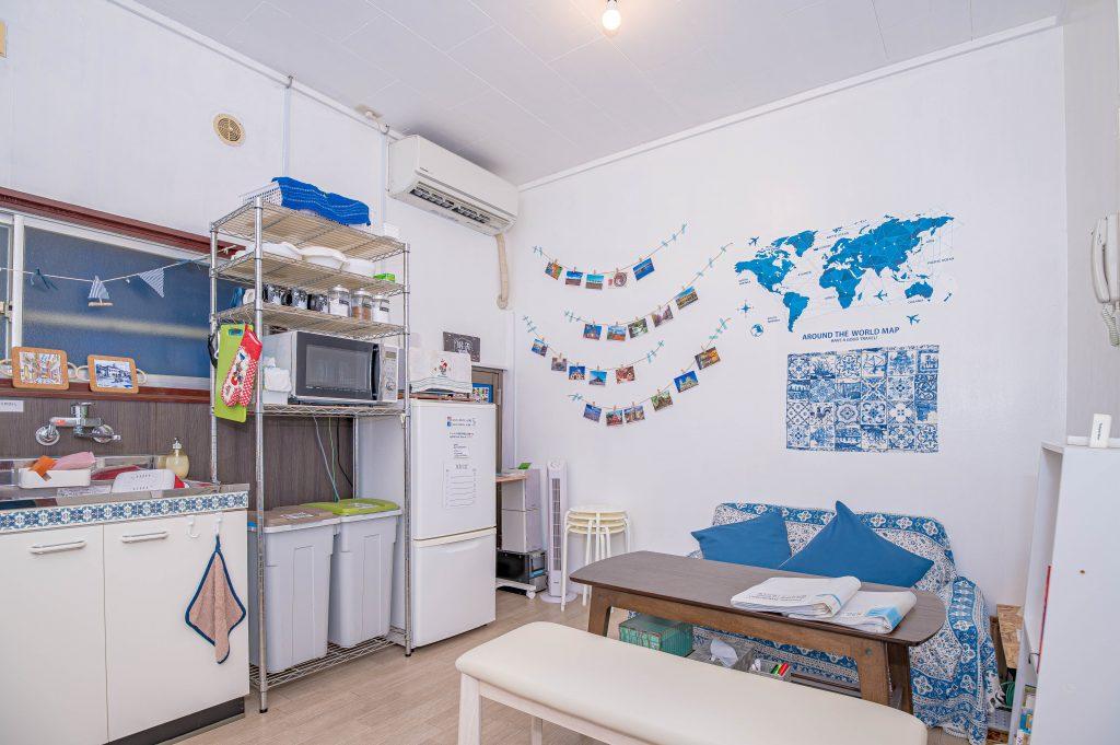kitchen-space-galo-hostel-5